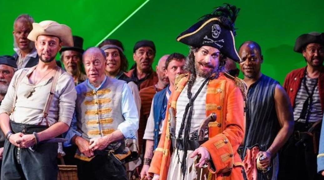 Pirates Singing.png